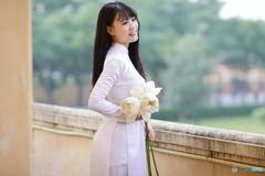 香りのよい白い蓮
