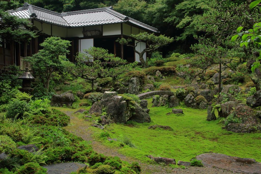 枯山水の庭園