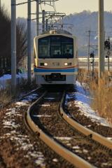 いつもの場所で、いつもの電車が。