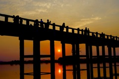 ミャンマー/アマラプラ/ウベイン橋の夕陽