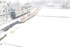 雪の中を走る列車(^^♪