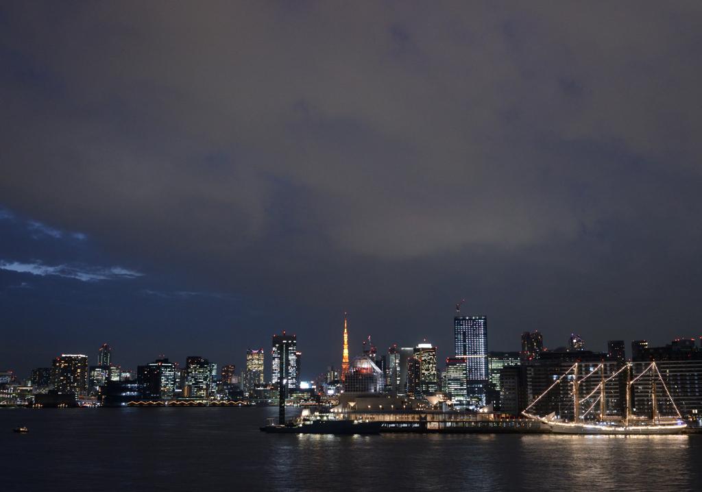 東京港 夜景