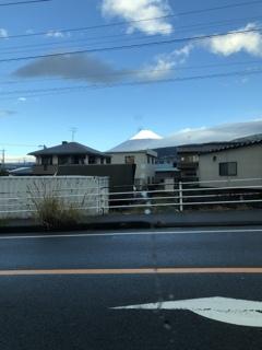 信号待ちの富士山