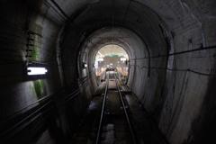 トンネルのむこう