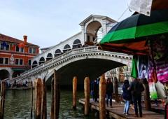 ヴェネチアの路地を歩く  13