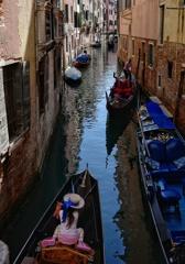 ヴェネチアの路地を歩く 15