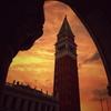 黄昏時の鐘楼