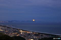 満月(昇る月)