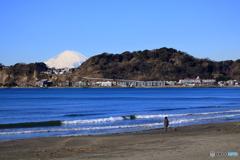 材木座海岸と富士山