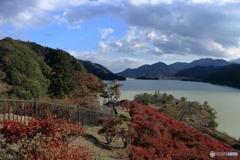 宮ケ瀬湖の秋②