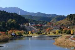 宮ケ瀬湖の秋①