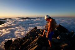雲海へ飛び込む