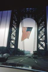 ジョージワシントンブリッジの星条旗 カラー版 NY NJ