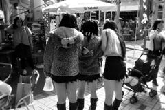 猫女子3人組