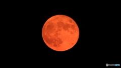 月の出は赤い