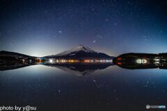 宇宙(ソラ)に浮かぶ富士