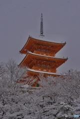 清水寺 三重塔・雪景