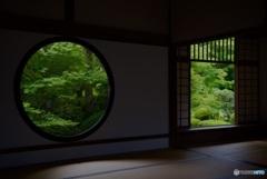 源光庵 悟りの窓・迷いの窓