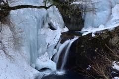 厳冬の渓谷-3