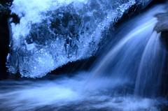 厳冬の滝-1