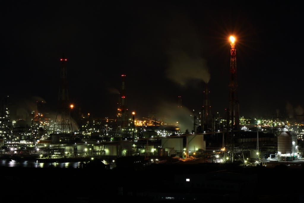 工場夜景とろうそくの灯り
