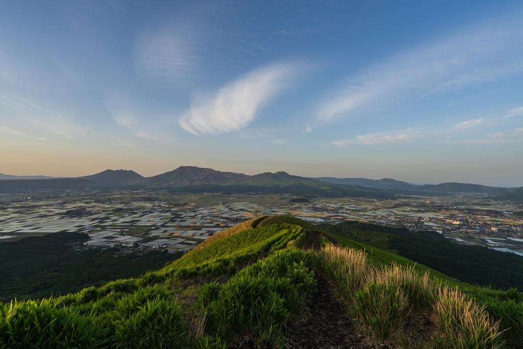 阿蘇山を望む