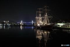 女神と光る船
