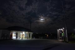 夜の無人駅