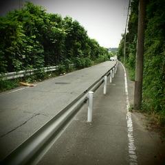 東名高速脇