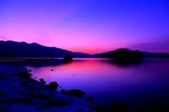 静寂 ~湖畔の夜明け~