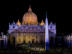 夜の賑わい ~サン・ピエトロ大聖堂~