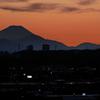 シルエット富士 街の夕景