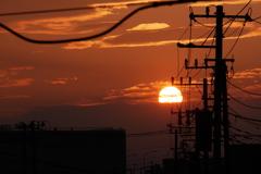 街道から見る夕日