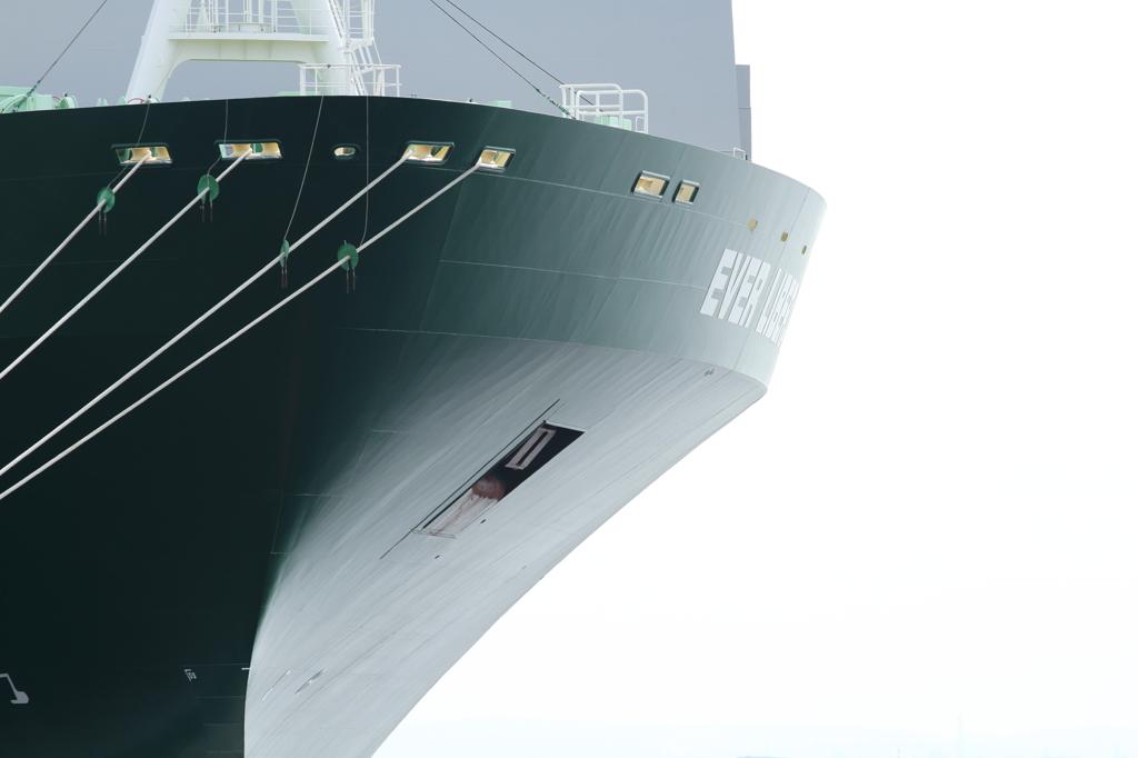 船首のライン
