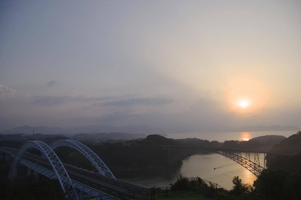 朝の西海橋たち