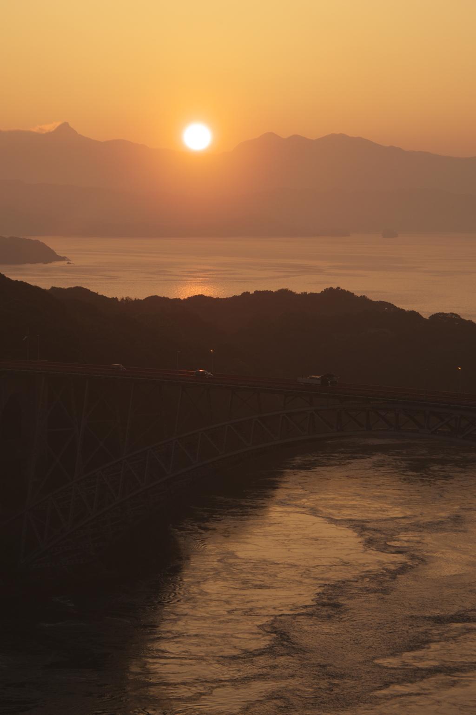 西海橋の夜明け
