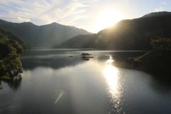 九頭竜湖の入日
