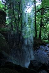 神谷の滝 裏見1