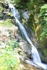 豊原の滝(右)
