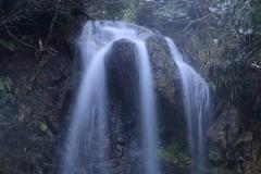 綿ヶ滝 対岸の無名滝1 滝口