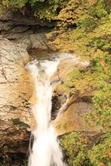 岩底の滝 中腹