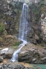 綿ヶ滝 対岸の無名滝1