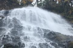 降り注ぐ 龍双ヶ滝