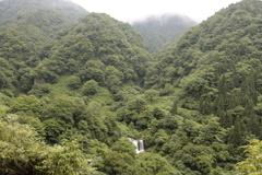 女神川と釣鐘岩