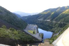 九頭竜ダムから見下ろし