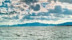 琵琶湖と空と雲