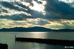 琵琶湖光芒