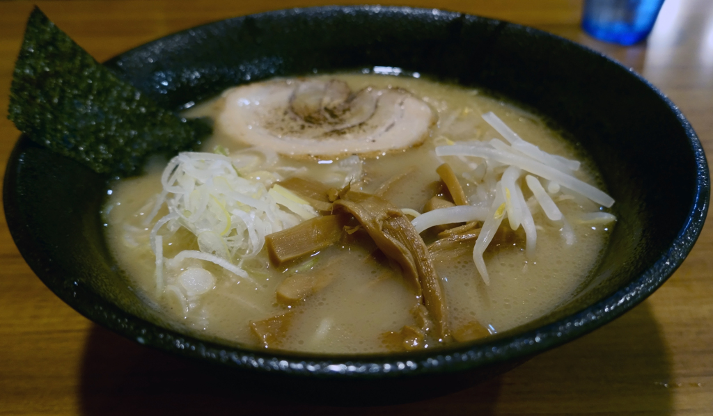 麺や 桜木 塩とんこつラーメン