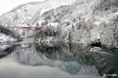 冬の庄川遊覧船