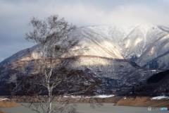 ①山に朝日がさす
